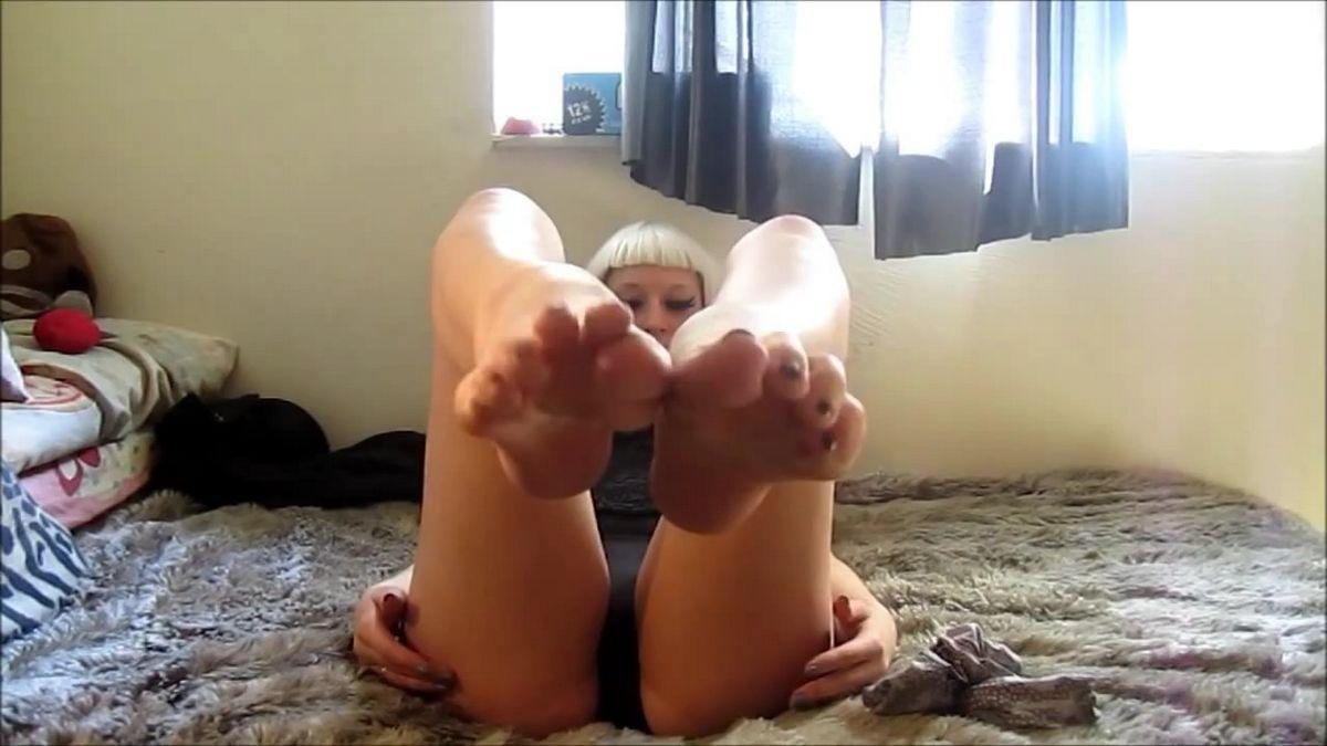 Мои ножки желают поцелуев